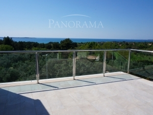 Extraordinary, magnificent apartment with magical view (00110)