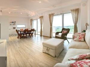 MAGNIFICENT APARTMENT WITH SEA VIEW (00075)